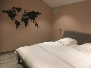 Slaapkamer 2 met comfortabel Auping tweepersoonsbed van vakantiehuis 't Sutterhuisje in Overmere - slapen aan het donkmeer en heerlijk overnachten in Overmere